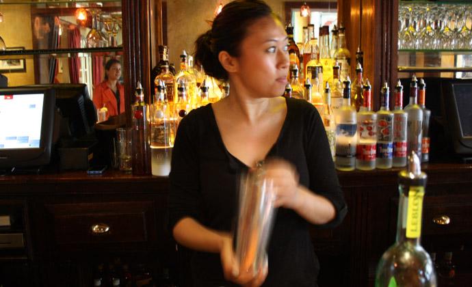 Be The Bartender: How to Make the Perfect Caipirinha 7 Simpl