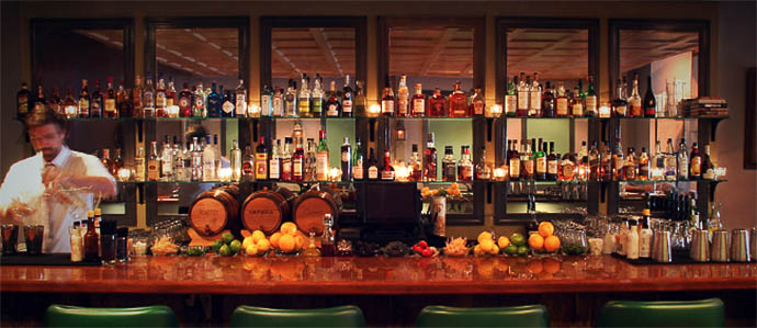 1 Tippling Place: A Rittenhouse Living Room With Killer Cocktails