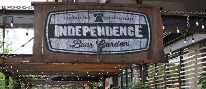 Independence Beer Garden Does 39 Pinchers Suds Gridiron 39 For Monday Night Football Drink
