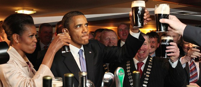 Obama Drinks Guinness In Four Sips
