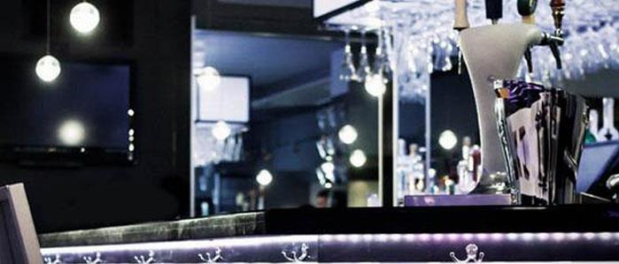 Cocktails & Wine at Valanni
