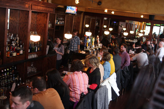 Happy Hour | Perch Pub | Drink Philly