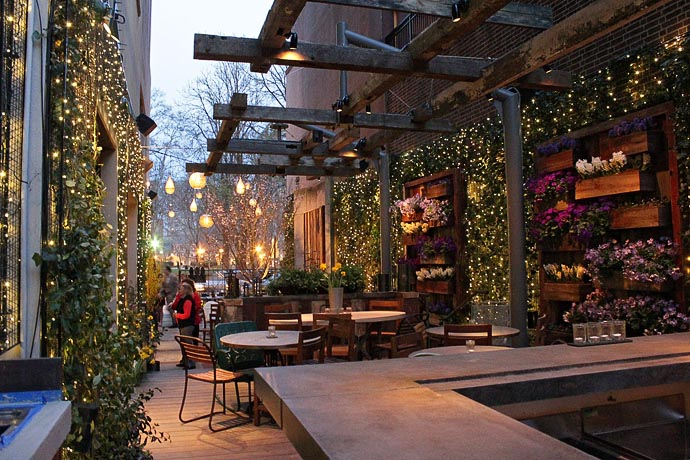 Philadelphia bars with outdoor seating drink philly for Festive kitchen dallas